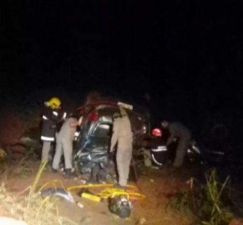 Pais e tia de Rafael Longuine, do Santos, morrem em acidente de carro