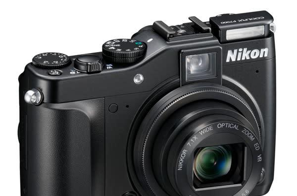 Nikon Coolpix P7000 brings manual heat to the prosumer level