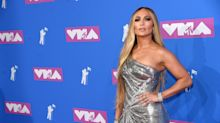 Jennifer Lopez shines like MTV's infamous Moon Person at the VMAs