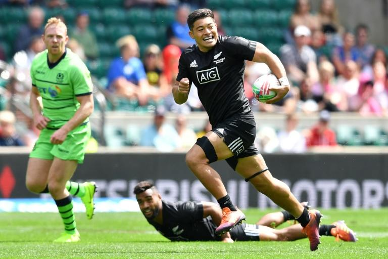 New Zealand forward Tone Ng Shiu has been included in the All Blacks Sevens squad for this weekend's Oktoberfest 7s in Munich, which boats an impressive line-up of teams. (AFP Photo/Ben STANSALL)