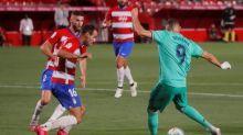 Foot - ESP - Real - L'enchaînement parfait de Karim Benzema (RealMadrid) à Grenade