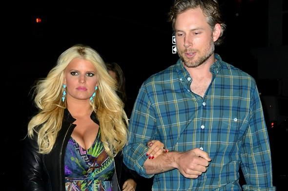 """<p> You could call Jessica Simpson a 'domestic diva' as the singer reportedly requested an oven from the Ritz-Carlton Central Park in New York when she was staying with fiancé Eric Johnson in 2010 and hosted Thanksgiving for his family - who are vegans. A source told <a href=""""http://www.people.com/people/article/0,,20445705,00.html"""" target=""""_blank"""">People</a> that Simpson had to get creative in the hotel cooking turkey and vegan dishes. """"They had an oven brought into her suite,"""" they revealed. """"She also used the hotel kitchen."""" Jessica apparently stayed in the Royal or Central Park Suite as those are the only ones that come with a dining room table for eight people, and at over £2,000 a night, an oven doesn't sound that big a request!</p>"""