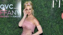 Mehr Barbie-Look geht nicht! Katy Perry komplett in Pink
