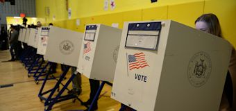 Senators urge action to thwart election hacking