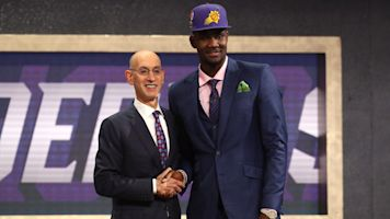 Suns draft Deandre Ayton with No. 1 pick