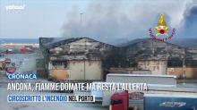 Ancona, fiamme domate ma resta l'allerta