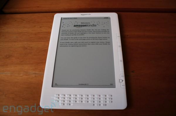 Amazon Kindle DX unboxing and hands-on!