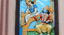 Why did Krishna's army fight against their own king in the Mahabharata war?