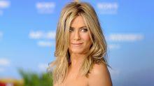 Jennifer Aniston shares nude photo to auction for coronavirus