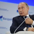 Putin says can't justify spoiling Saudi ties over Khashoggi affair