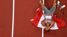 Canadian Andre De Grasse wins 200-metre Olympic gold