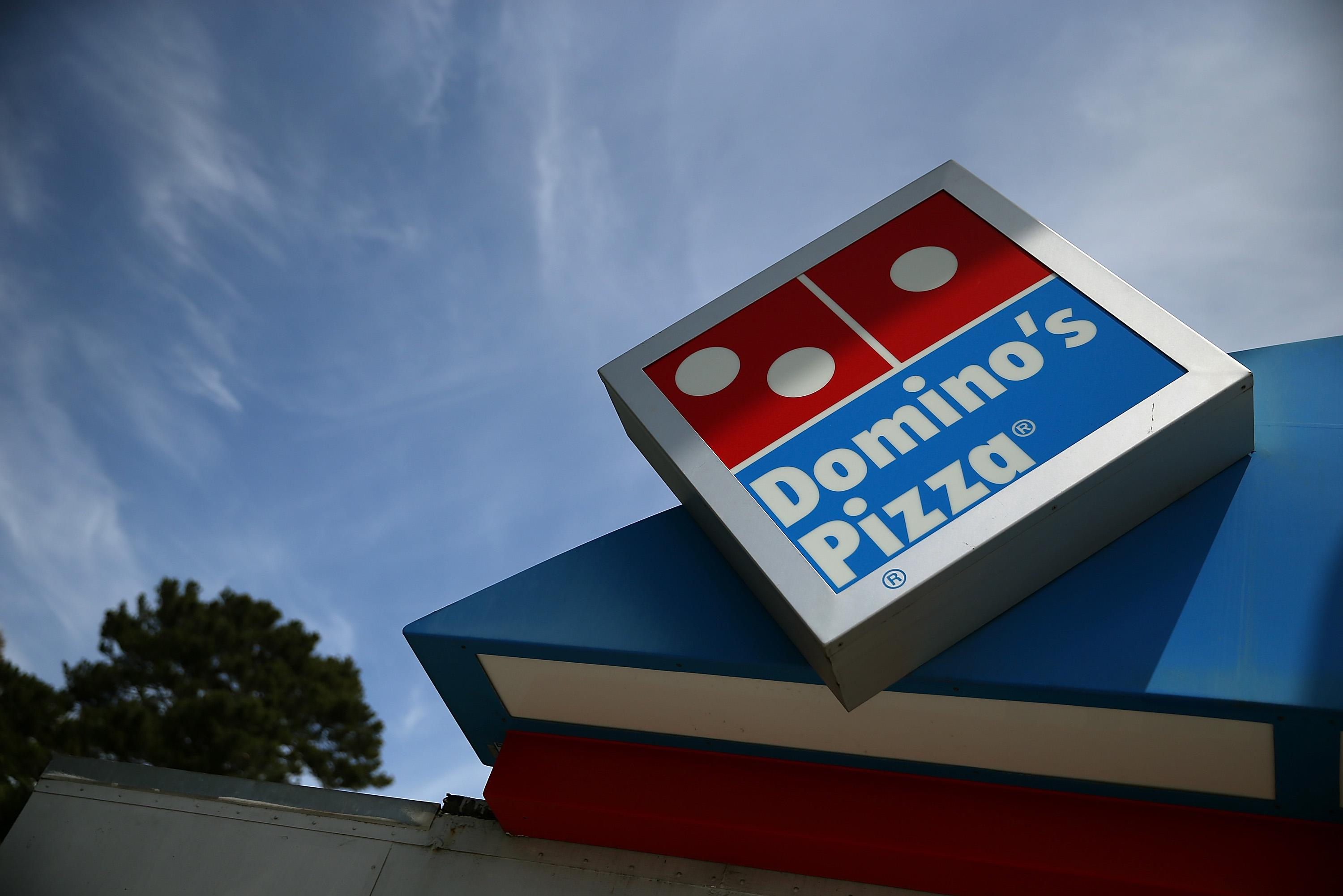 Roaches, rodents force Domino\'s Pizza to close in Peru