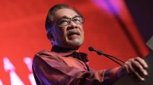 Amid Umno exodus, Anwar says attempts to drive wedge between him and Dr M