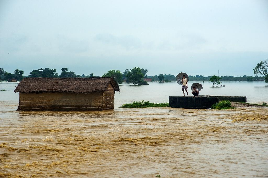 Floods kill 165 in India, Nepal and Bangladesh