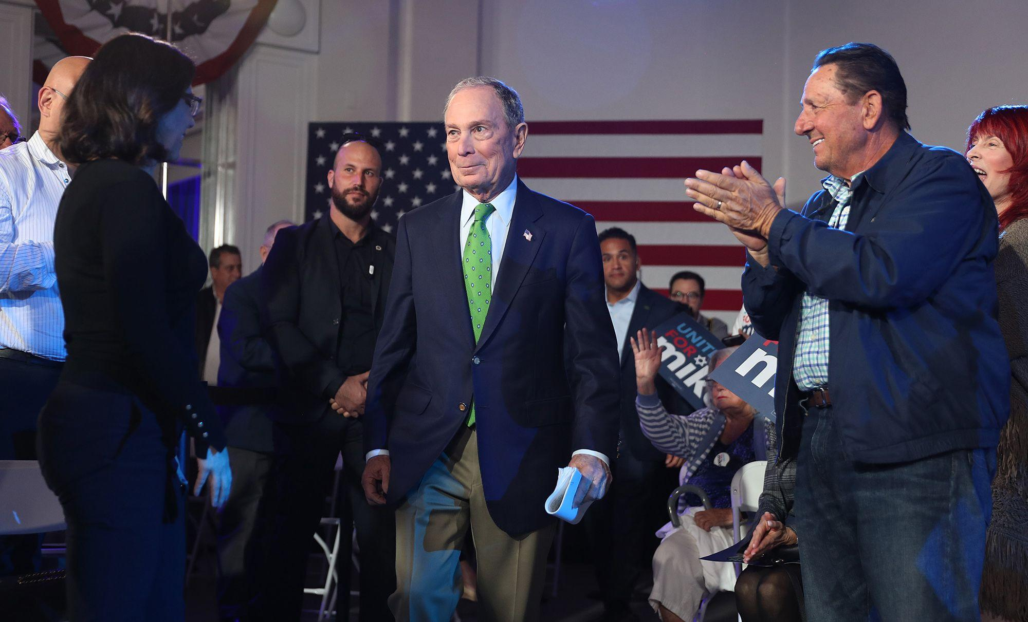 Bloomberg Drops Plans to Pay Workers, Launch Super PAC