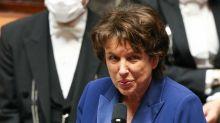 Emmanuel Macron : sa petite dette envers Roselyne Bachelot