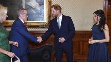 Republican Shorten meets royal couple