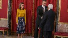 Letizia Ortiz y su falda de flores de Hugo Boss para el otoño