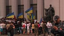 Ukrainian protesters call for snap elections