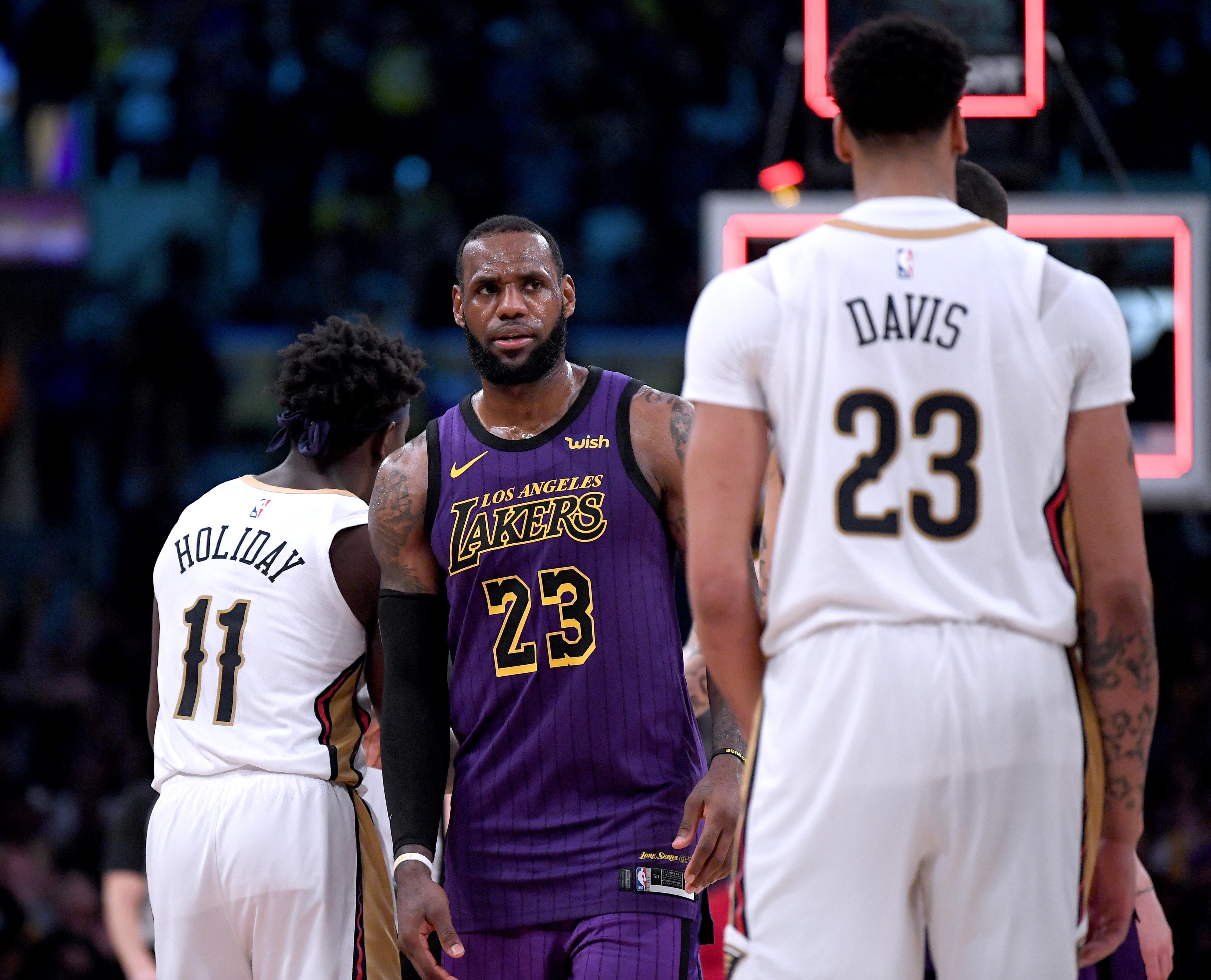 c4fc415d LeBron James giving Anthony Davis the No. 23 Lakers jersey