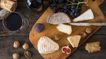 How To Prepare The World's Best Wine And Cheese Pairings