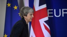 Under threat May holds Brexit crisis talks