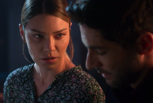 Lucifer Season 4 Premiere Post Mortem Lauren German Reveals What The Devil Chloe Has Been Up To