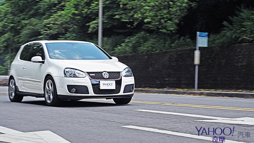 純粹駕馭的經典傳承!5代目視角下的2019 Volkswagen Golf GTi Performance Pure試駕 - 24