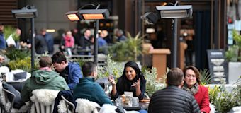 Britons to spend £2.5bn as indoor hospitality reopens