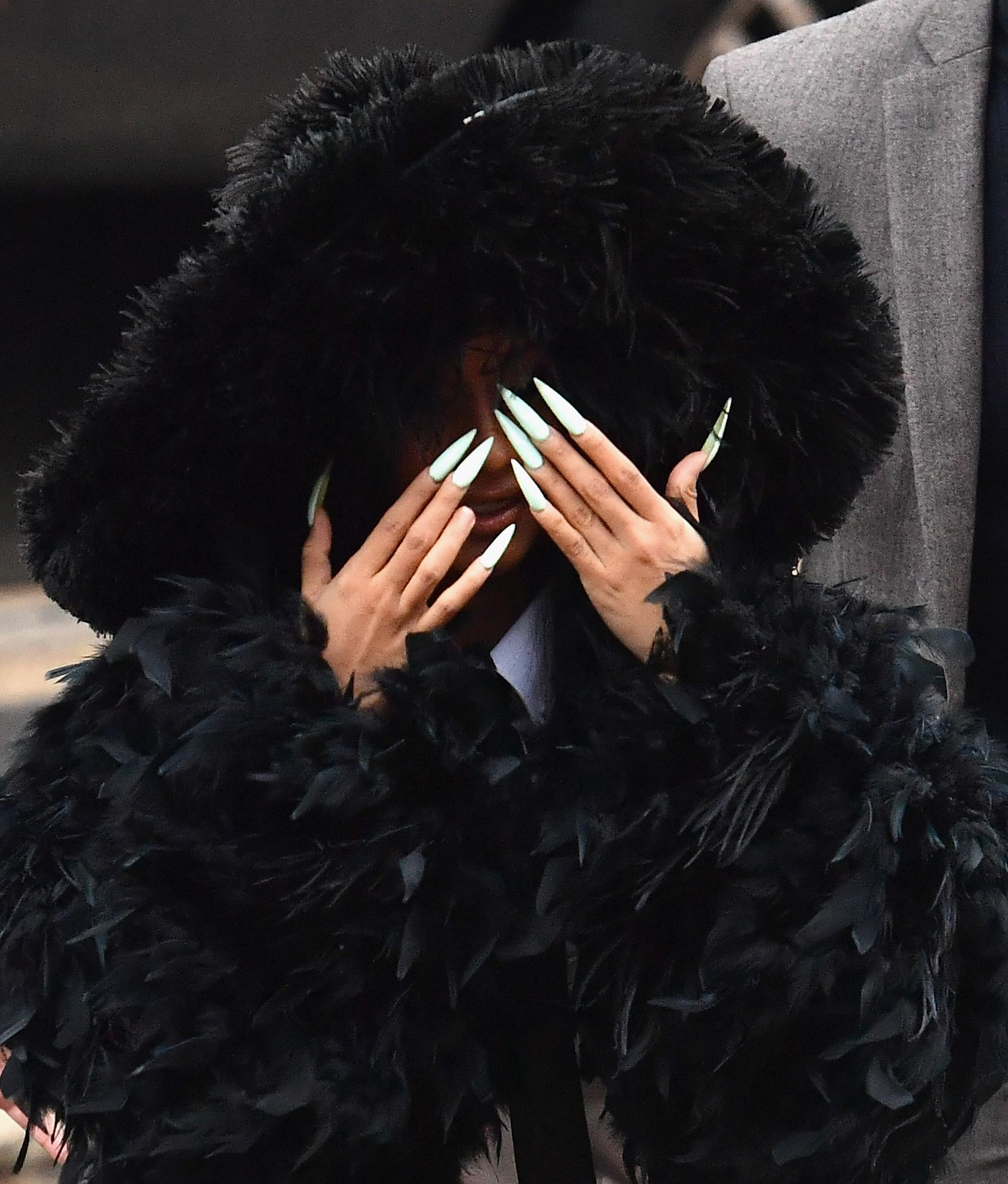 Jenny Bui The Queen Of Bling And Cardi B S Nails