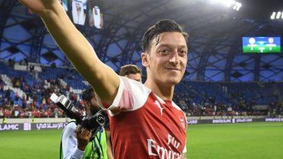 Mesut Ozil leaving Arsenal for boyhood club