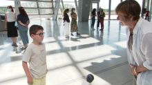 Pour sa réouverture, le musée des Confluences offre une visite privée au petit Jonas, qui en a rêvé pendant tout le confinement
