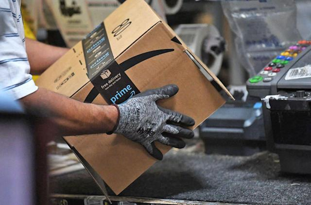 Amazon made social mini-games to make warehouse work less bland