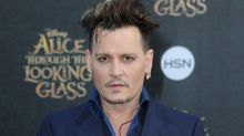 "Johnny Depp cambia su tattoo en honor a Amber, de ""delgadita"" a ""escoria"""