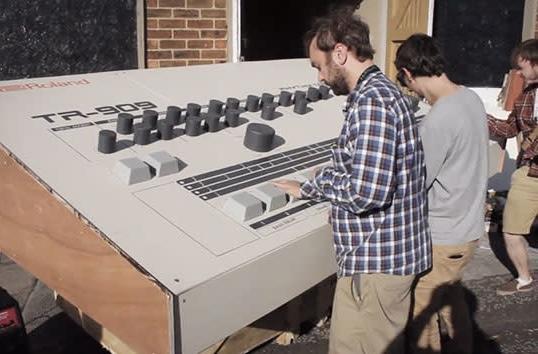 Artists build a Roland TR-909 drum machine for giants