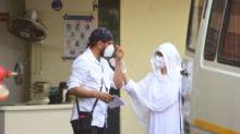 In Pics: Jaaved Jaaferi & Family Perform Last Rites of Jagdeep
