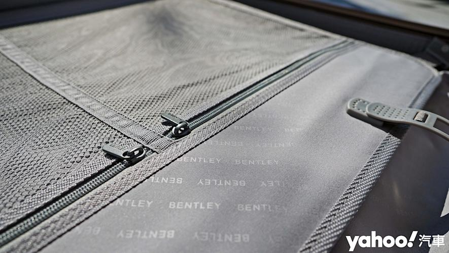 開車旅行更該極致優雅!Bentley 29吋PC+ABS鋁框輕量化行李箱迷人開箱 - 12