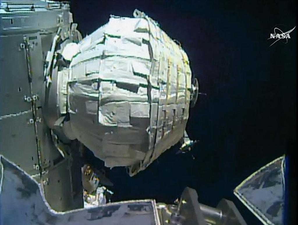 Inflatable Room Nasa Inflates Spare Room In Space