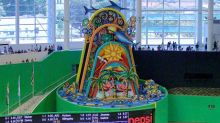 Derek Jeter group considering removing Marlins home run sculpture