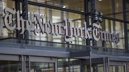 New York Times endorses Warren, Klobucher