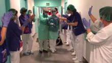 Coronavirus : un patient de 93ans salué par une haie d'honneur après sa guérison en Espagne