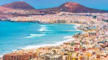 Family Christmas holiday bookings to Canary Islands surge after rule of six announced