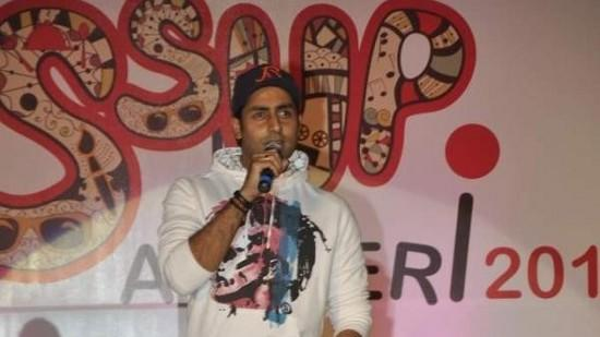 Abhishek Bachchan Rapping On Stage