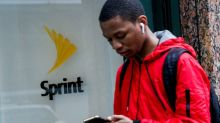 Sprint postpaid subscriber loss lower than expected