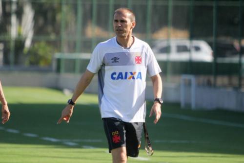 Milton confirma Guilherme como titular para semifinal contra o Flu