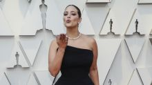 Ashley Graham acierta con un total black en los Oscar 2019