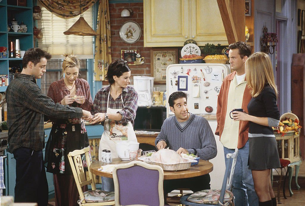 """Courteney Cox posted the most epic throwback pic of the """"Friends"""" cast before the show aired and became a pop culture juggernaut, and could we BE anymore nostalgic?"""