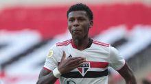 Arboleda sai com dores na coxa direita e será avaliado no São Paulo