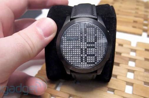 Phosphor Reveal wristwatch hands-on (and giveaway!)