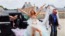 Gli angeli di Victoria's Secret tornano al lavoro per un Natale super sexy
